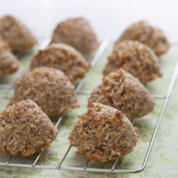 Coconut Macaroons by Ricki Heller