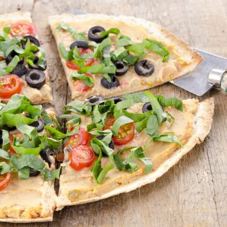 Hummus Tortilla Pizzas: How-To and Flavor Pairings (vegan)