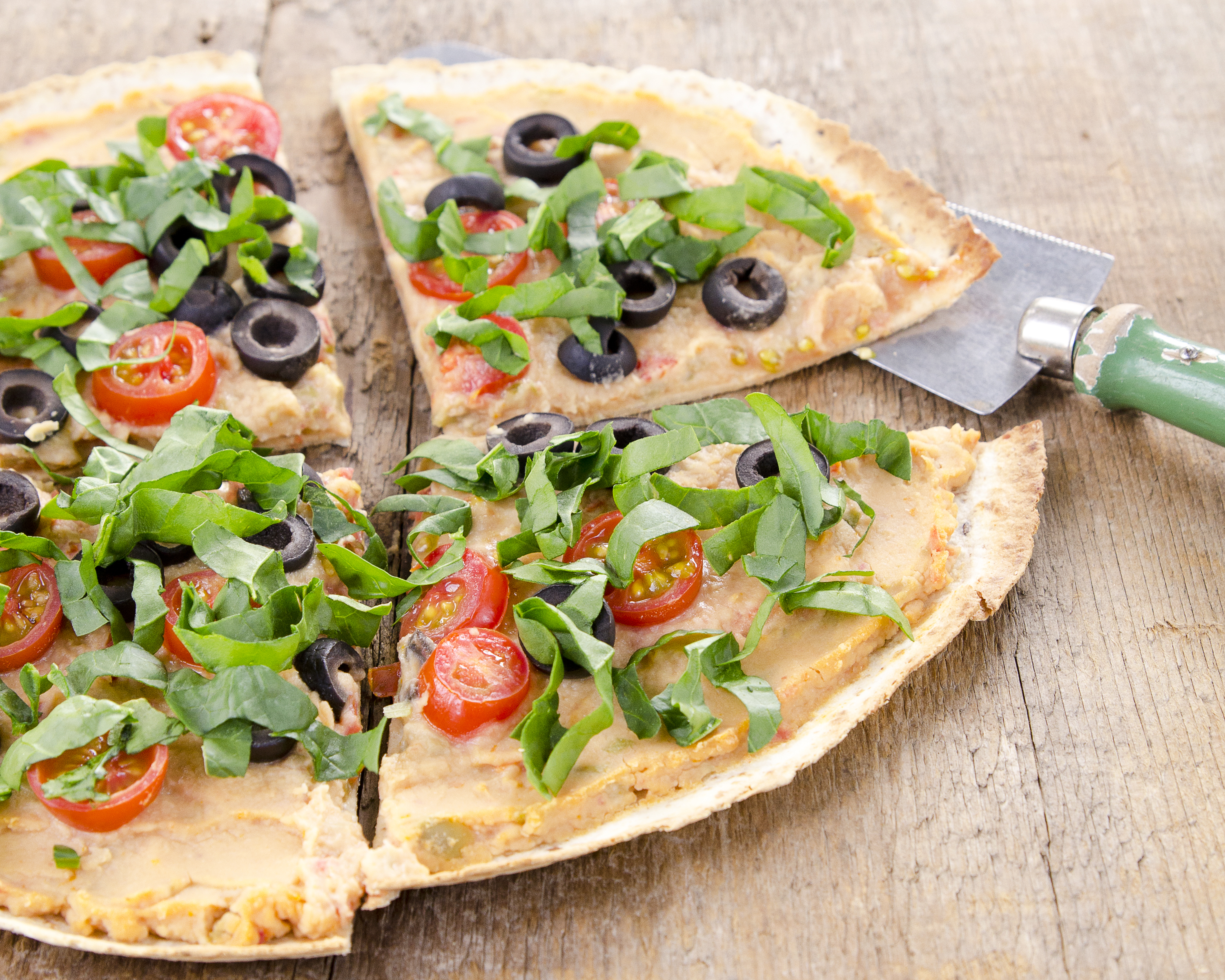 Hummus Tortilla Pizzas How To Flavor Pairings Vegan