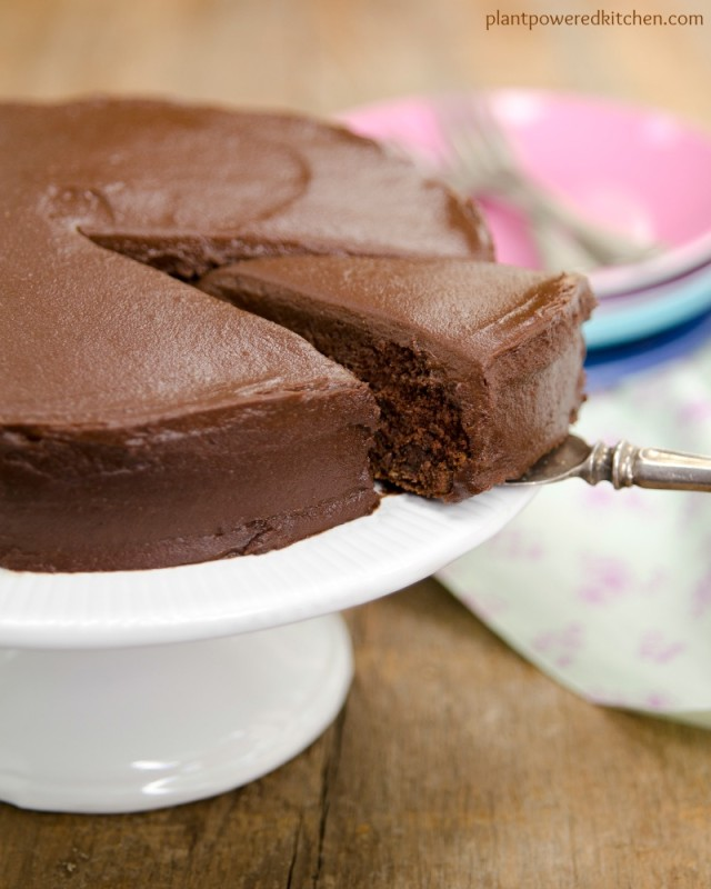 Sweet Potato Chocolate Cake with Chocolate Sweets Frosting (vegan, oil-free)