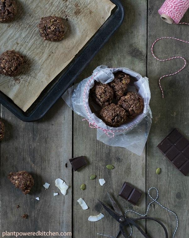 """Shmoopy"" Cookies #vegan #glutenfree #oilfree #wfpb #dairyfree #cookies #christmas www.plantpoweredkitchen.com"