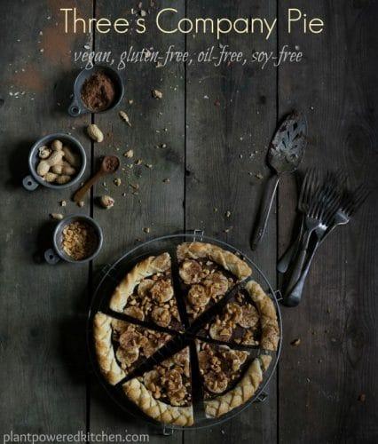 Three's Company Pie! Irresistible combination of bananas, peanut butter, and chocolate, oh yes! Recipe is #vegan #dairyfree #glutenfree #soyfree #oilfree #plantbased #pie #chocolate #bananas #peanutbutter www.plantpoweredkitchen.com