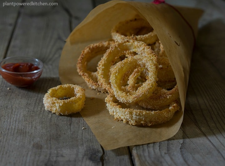 Crispy Un-fried Onion Rings! #vegan #lowfat #plantbased #oilfree #onionrings www.plantpoweredkitchen.com