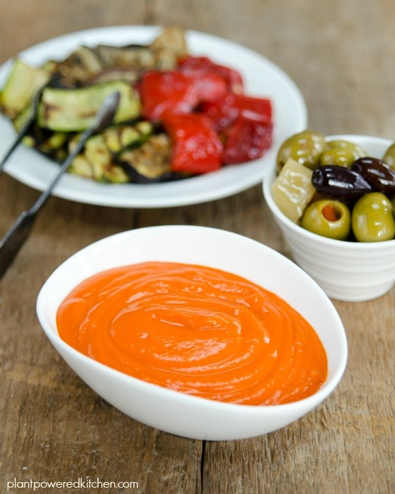 Creamy Roasted Red Pepper Dip - FABULOUS flavor, made oil-free, vegan, nut-free and gluten-free! plantpoweredkitchen.com #vegan