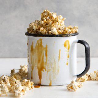 Oil-Free Popcorn: Caramel Corn!