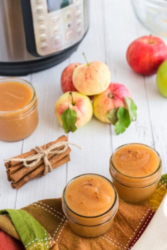 instant pot applesauce in glass jars